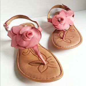 Born Smooch Thong Sandal, size 8